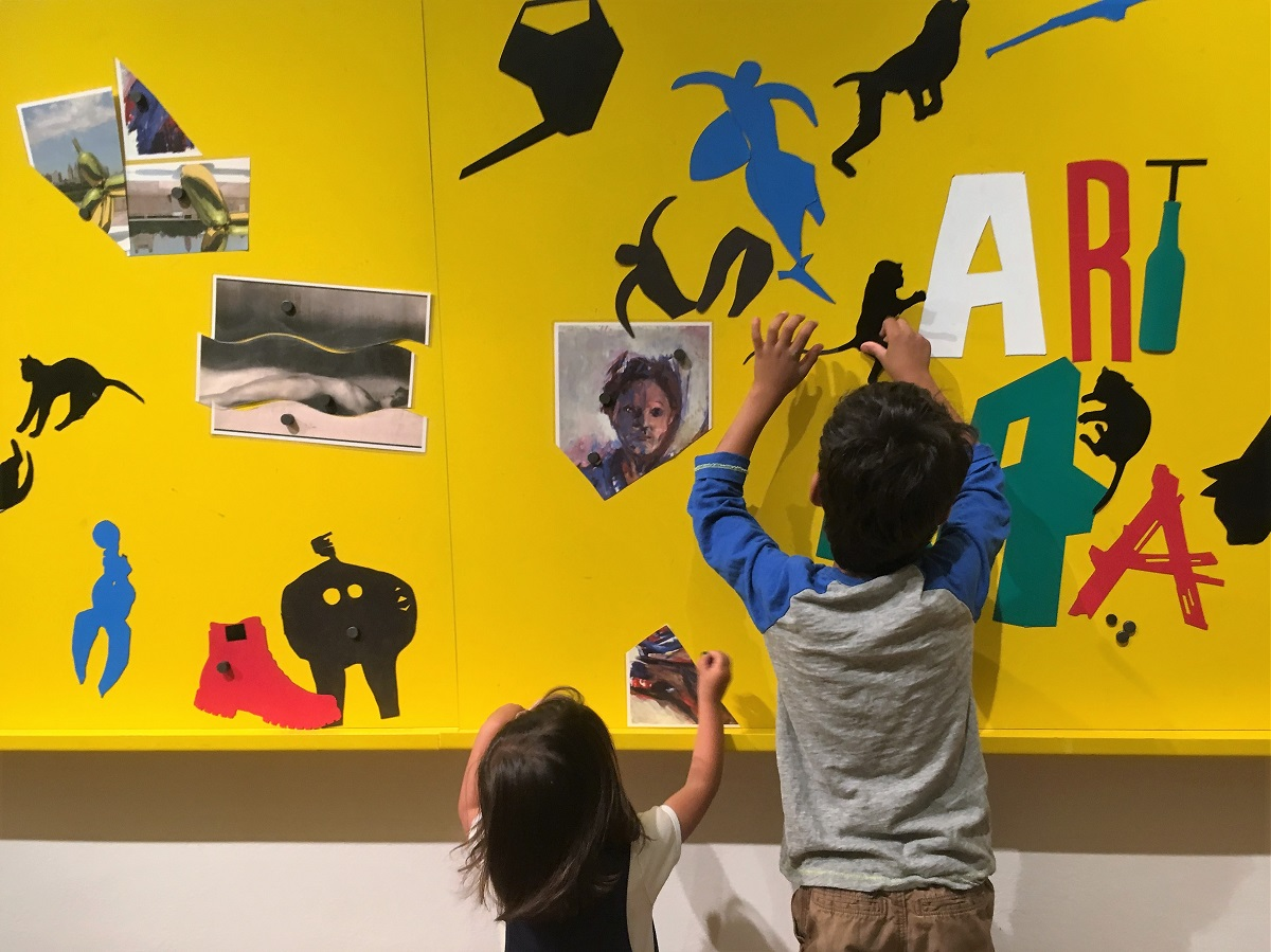 Playing with magnetic art at Artpark at Galerie Rudolfinum Prague. 11 indoor activities for kids in Prague, written by a local expat family